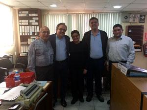 Con la Sra. Luz Columbus y su familia. Más de 30 años gestionando Condominios en Lima.