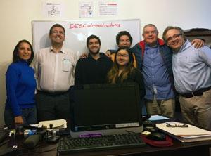 Con la familia Descalleaux, Roxana, Pierre, Dina y Juan José en su despacho.
